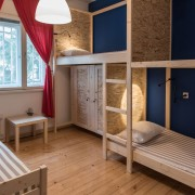 3-beds-room-guesthouse_064