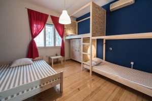 3-beds-room-guesthouse_067