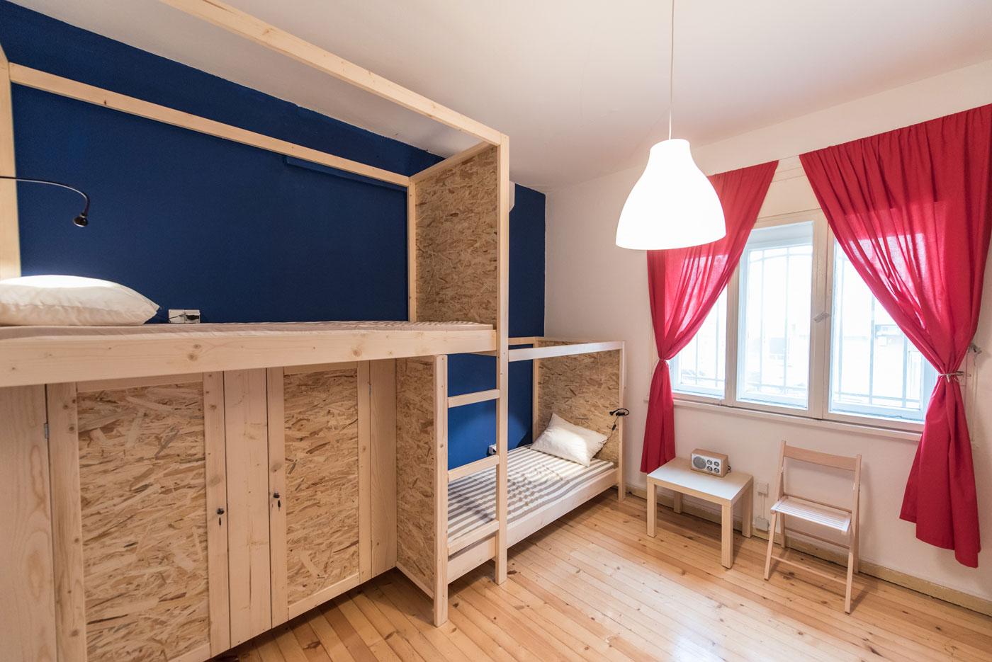 Single Bed In 4 Beds Bedroom