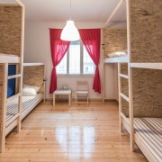 4-beds-room-guesthouse_109