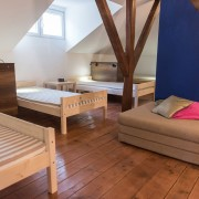 8-beds-room-guesthouse_033