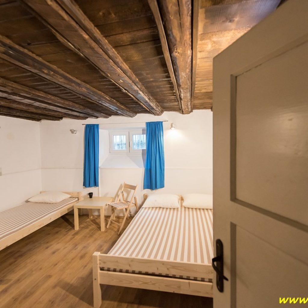 guesthouse_143 bestrest